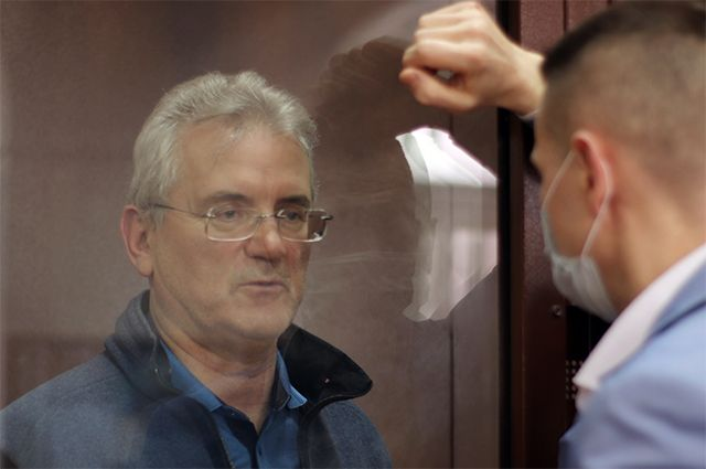 Следствие просит суд продлить арест бывшему губернатору Белозерцеву
