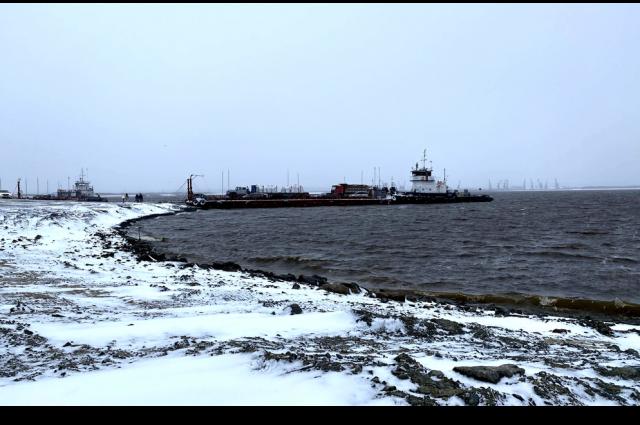 Автодорогу Надым – Салехард на время ремонта разгрузят по воде
