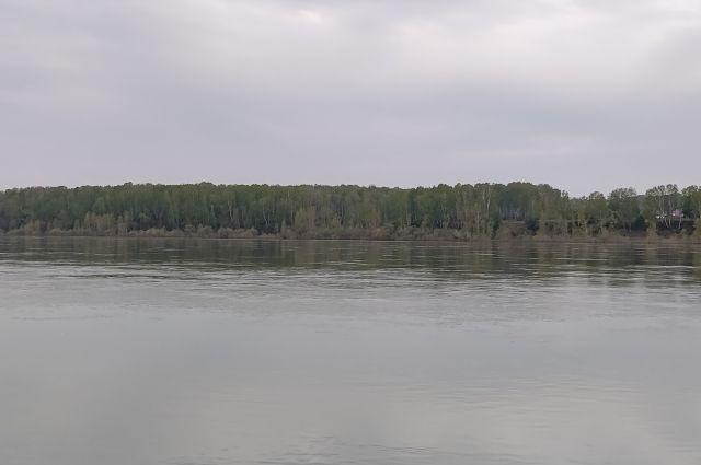 Сегодня уровень воды в Томи достиг отметки в 525 см.