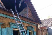 При пожаре в частном доме в Бугуруслане погибли женщина и двое малолетних детей.