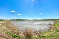 На илопроводе под Оренбургом произошла утечка осадка сточных вод.
