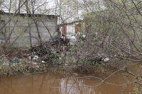 Сколько ещё таких тайных свалок найдут на реке, впадающей в Волгу?