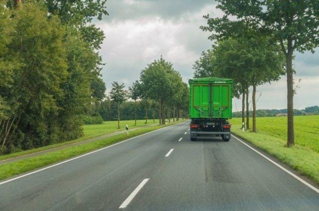 В Украине с 1 июня вводится ограничение на движение грузовиков.