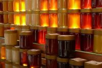 Продавцы, оптом закупающие мёд у пчеловодов, не всегда и не всё знают об этом самом мёде.