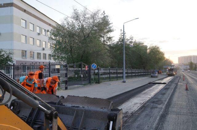 В Оренбурге отремонтируют 9 участков городских дорог к медицинским учреждениям.