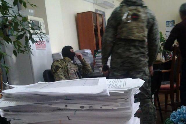 В мэрии Киева провели обыск из-за незаконной застройки возле лавры