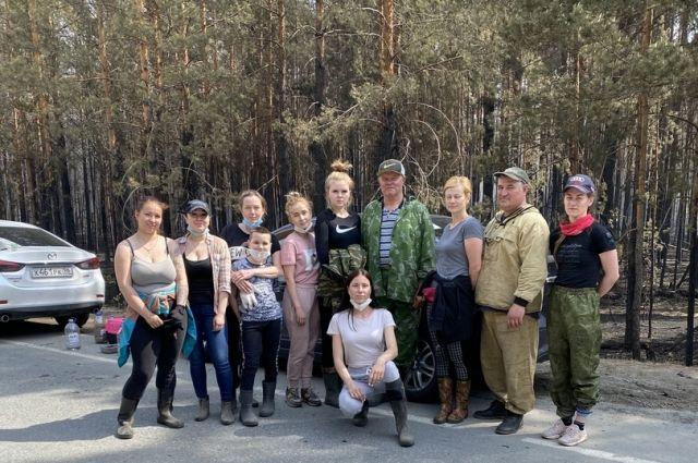 Тюменские волонтеры помогали животным после лесного пожара