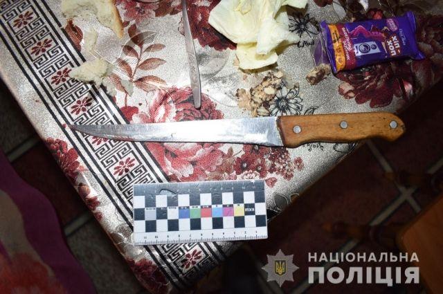 В Винницкой области мать зарезала сына: подробности