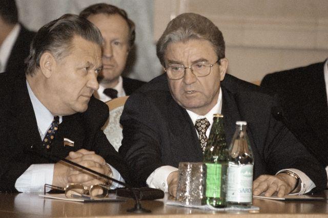 Геннадий Игумнов (справа)
