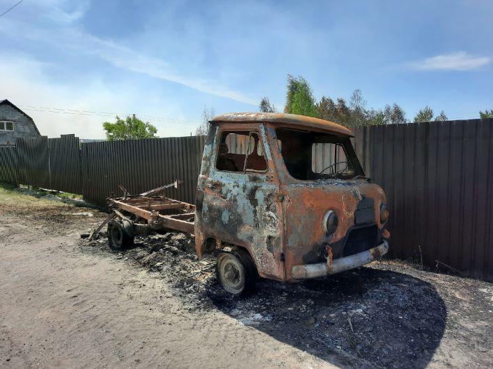 Пострадала техника. Сгоревшие дачи в СНТ «Солнышко», Тюменский район - 2021.