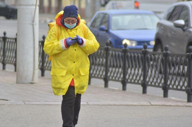 Согласно результатам опроса, средняя зарплата курьеров в Новосибирске составляет 52,9 тысячи рублей.
