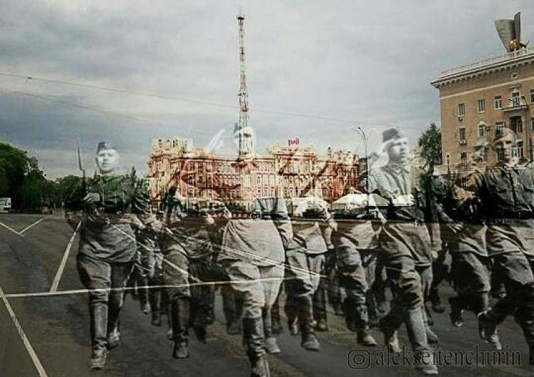 Парад ушедших героев на Театральной площади в Ростове-на-Дону