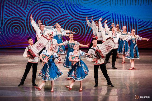 Сюжет каждого танца всегда проработан до мельчайших деталей, артисты вкладывают в них истинную душу Сибири, отражая культуру, быт и красоту родных мест.
