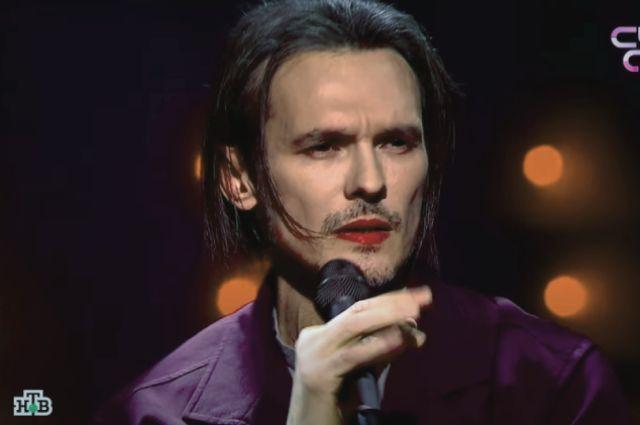 Вернулся и снова запел. Как сегодня живет звезда 90-х Влад Сташевский