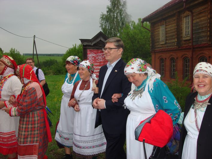 В церемонии открытия приняли участие представители власти