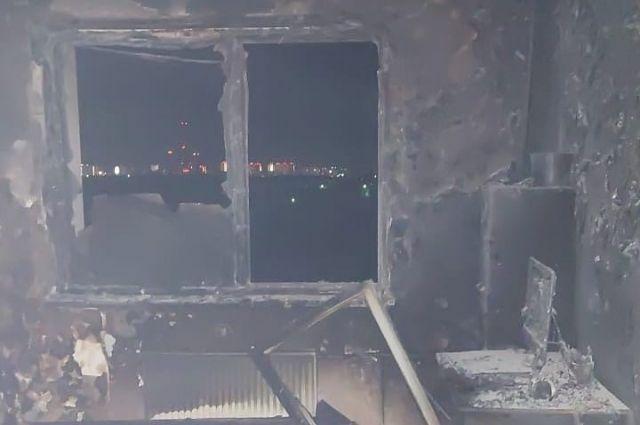 В Оренбурге спасатели эвакуировали из дома на проспекте Победы 4 ребенка.