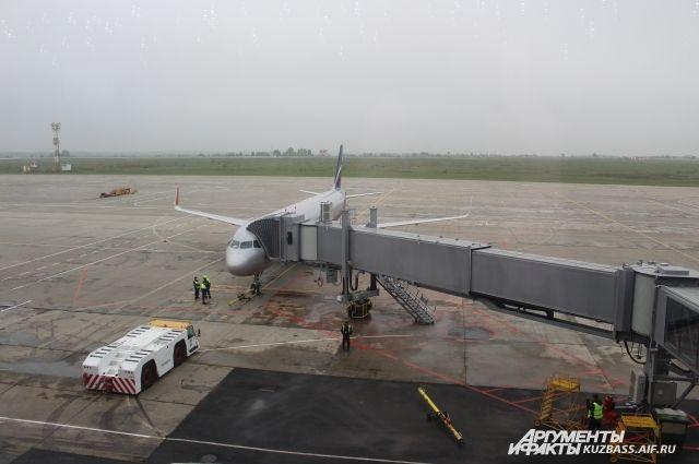 Проект ремонта взлетно-посадочной полосы кемеровского аэропорта пройдет экспертизу в августе.
