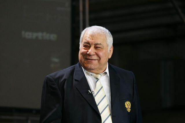 Дмитрий Миндиашвили много сделал для развития спорта и борьбы, для развития города и края.