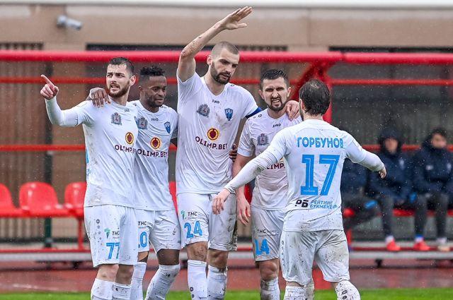 Эксперты предполагают, что со следующего сезона бюджет футбольного клуба «Нижний Новгород» вырастет минимум вдвое: премьер-лига обязывает.