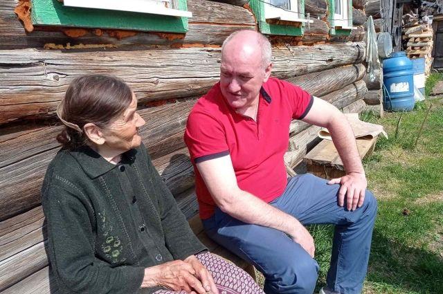 Глава района пообщался с 94-летней труженицей тыла Марией Зольниковой.