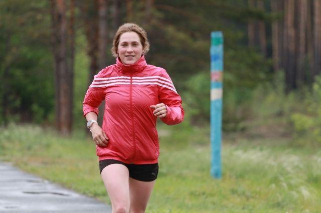 Евгения готовиться пробежать полумарафон – это 21 км. Она уже проходила эту дистанцию, но ей нужен лучший результат.
