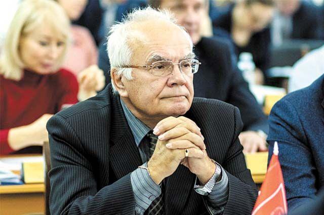 Геннадий Сторожев считает, что «Молот» надо сделать муниципальным.