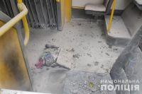 В Киеве мужчина бросил в троллейбус бутылку с зажигательной смесью