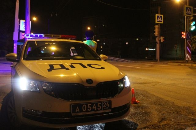 Сам водитель был с признаками опьянения, но от медицинского освидетельствования отказался.