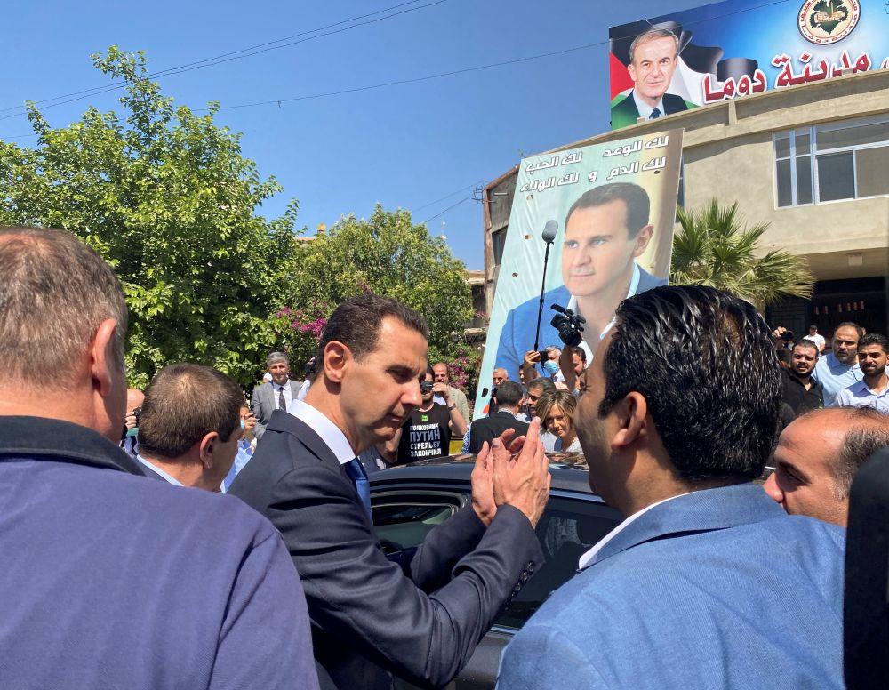 Президент Сирии Башар Асад проголосовал на президентских выборах в городе Дума