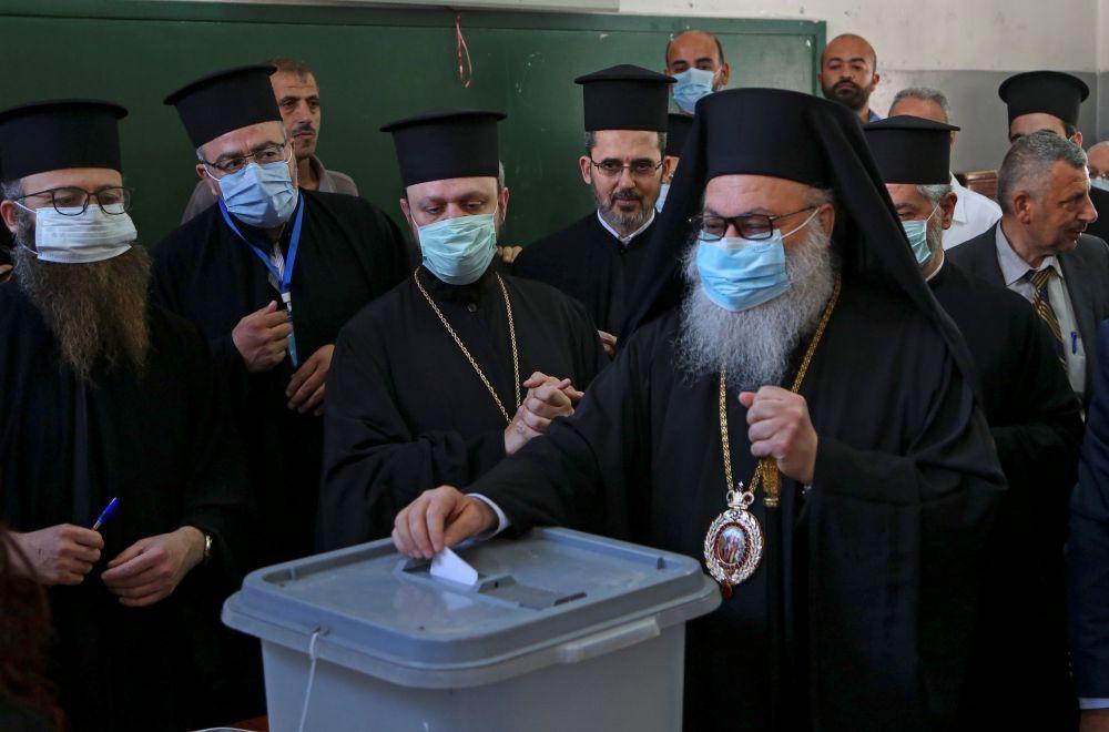 Патриарх Иоанн X (патриарх Антиохийский и всего Востока) проголосовал на президентских выборах в городе Дамаск