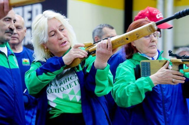Пенсионеры Сахалина соревнуются в пулевой стрельбе