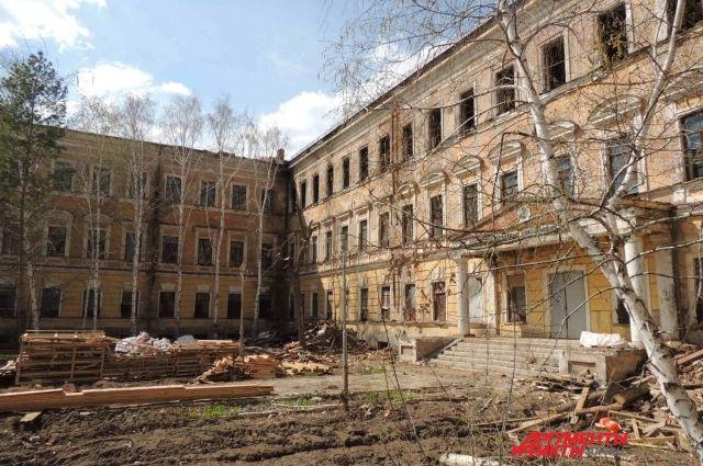 В Оренбурге объявили торги на разработку концепции гостиницы на базе бывшего летного училища.