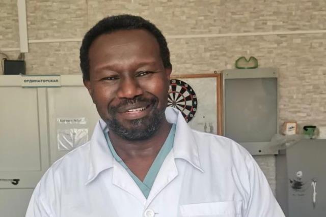 Хабиб Хатим родился в Судане, учился в Одессе, работал в Краснодаре, а теперь перебрался на Урал.