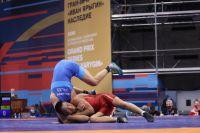 В соревнованиях участвуют 250 спортсменов из 10 стран.