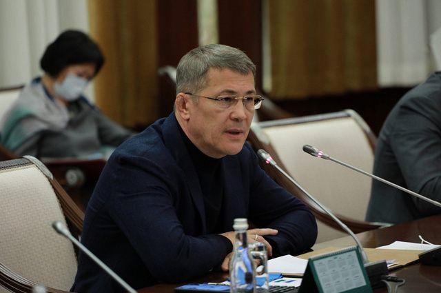Глава Башкирии обсудил новые совместные проекты с топ-менеджерами Сбербанка