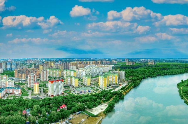 Фишка нового микрорайона в сохранённой зелёной зоне вдоль реки Кубань.