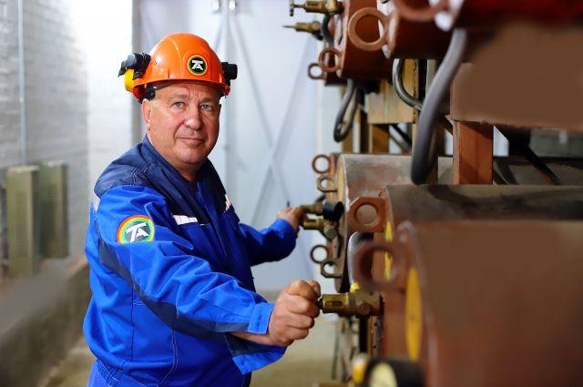 Владимир Каракозов как наставник воспитал более 10 молодых электромонтеров