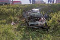 Около 16.40 на 389 км автодороги М3 «Украина» в Навлинском районе столкнулись два автомобиля.