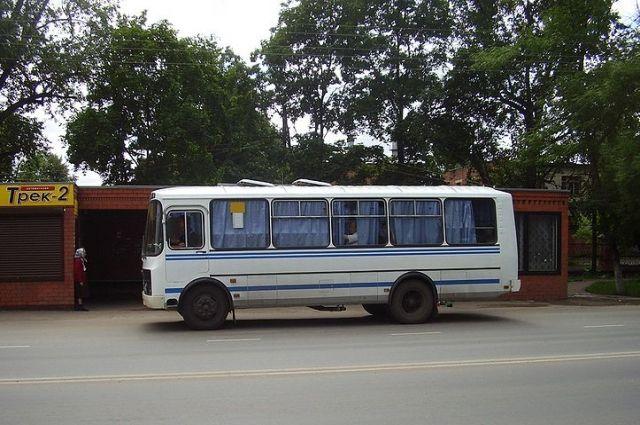Оренбургские автобусные маршруты продолжают поднимать цены проездных билетов.