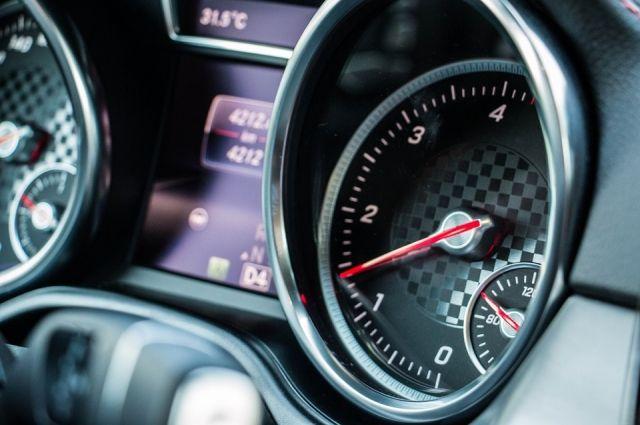 Водитель гонял по городо со скоростью 200 км/ч