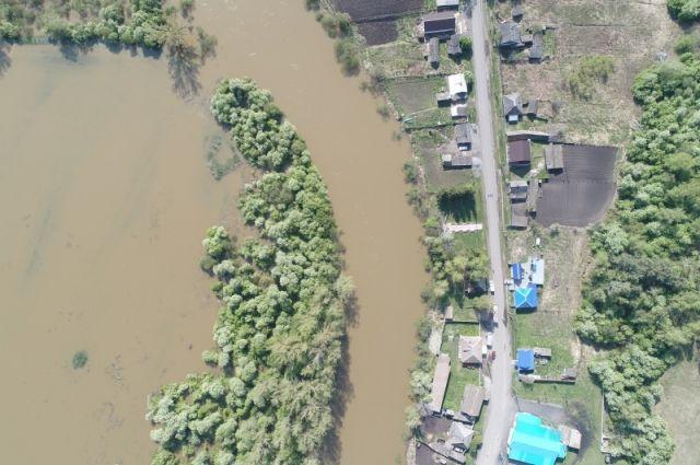 Остаются подтопленными 15 жилых домов.