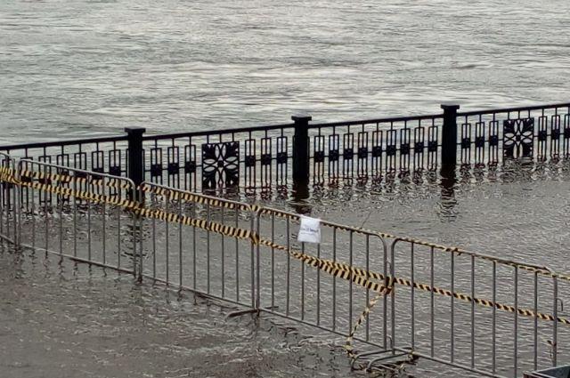 Мэр Красноярска прокомментировал затопление набережной.