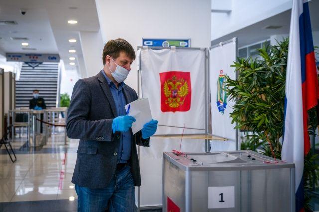 Активней всего на счётные участки идут жители Нефтеюганского и Белоярского районов, а также городов Ханты-Мансийск, Радужный, Покачи