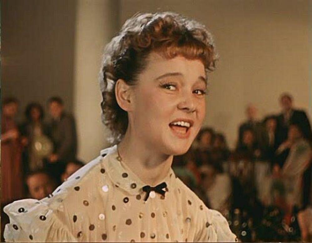 Актриса Людмила Гурченко в роли Леночки Крыловой (1956 год)