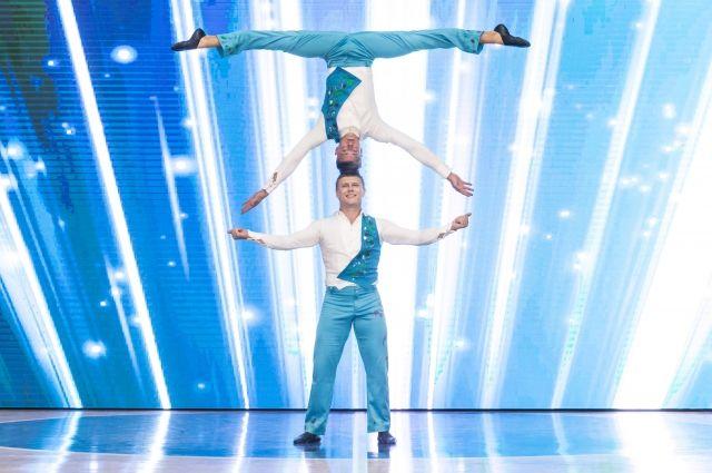 В Новотроицке выступят мировые звезды акробатики Валентин Четвёркин и Данила Калуцких.