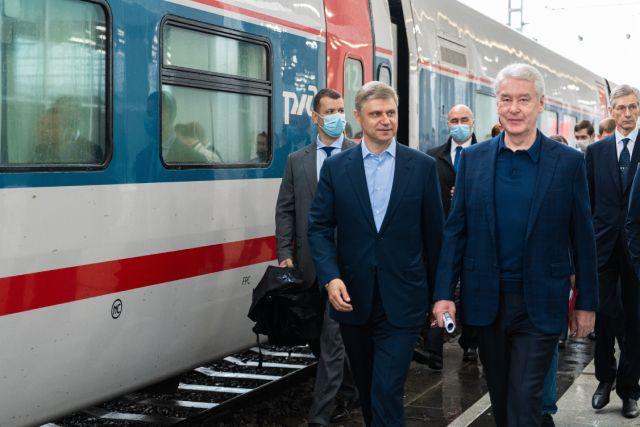 Сергей Собянин и гендиректор «РЖД» Олег Белозёров на открытии вокзального комплекса Восточный.
