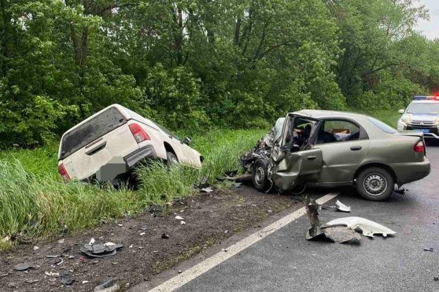 В Харьковской области произошло смертельное ДТП: погибло три человека.