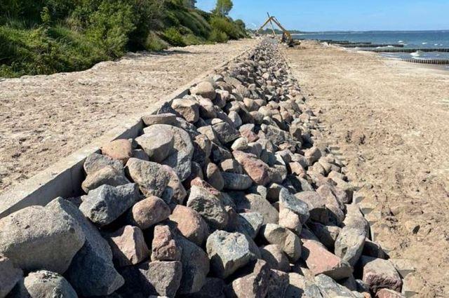 Работы на Западном пляже в Зеленоградске пообещали закончить в июле