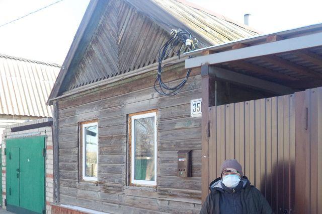 Вместо дома на Кубани сёстрам достался такой домик. Но из него тоже выселяют...