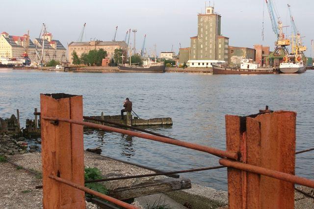 Некогда процветающий порт находится в полном запустении.